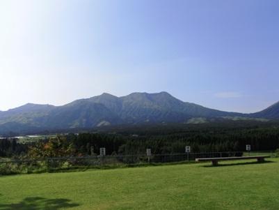 月廻り公園からみる阿蘇五岳